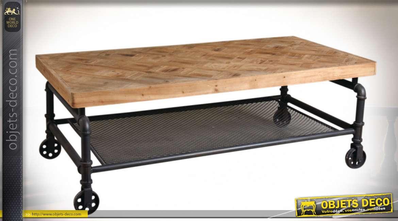 Table basse en sapin marqueté et métal façon tuyauterie industrielle 124,5 cm