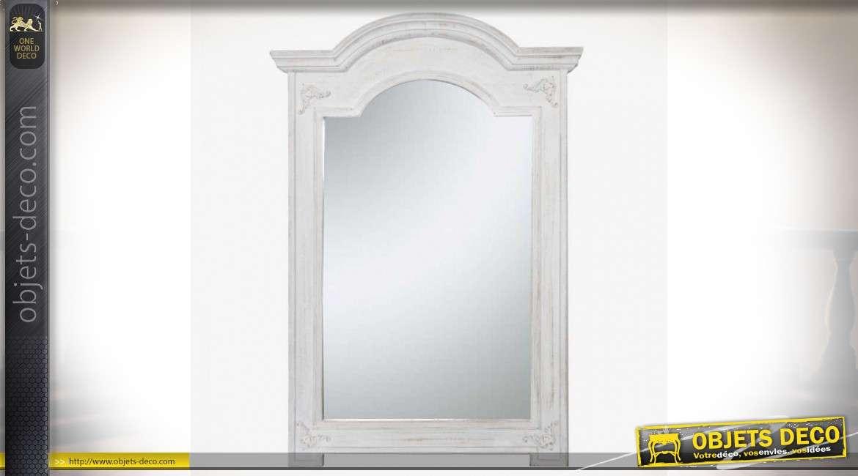 Grand miroir blanc bois sculpté corniche en chapeau de gendarme 160 cm