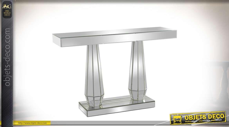 Console design avec habillage en miroir et pieds en colonnes à facettes