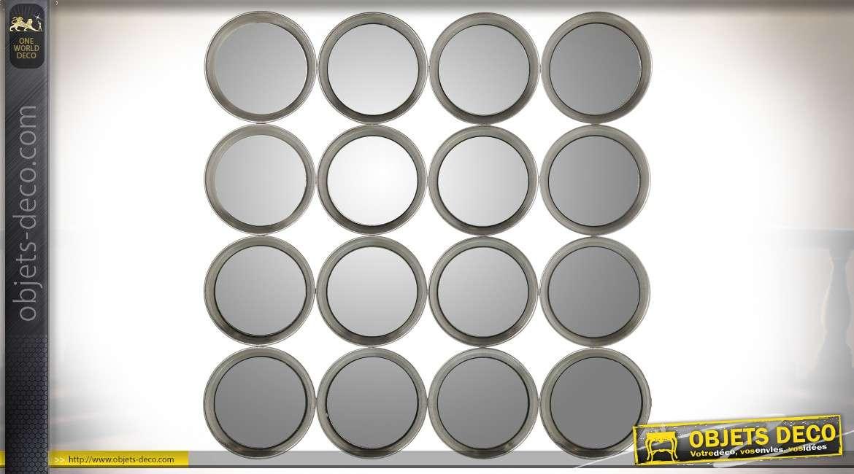 Miroir vintage et design à 16 hublots en métal argenté et vieilli 88 x 88 cm