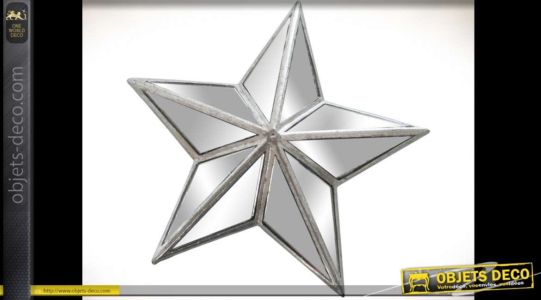 Miroir applique murale en étoile finition argentée Ø 18.5 cm