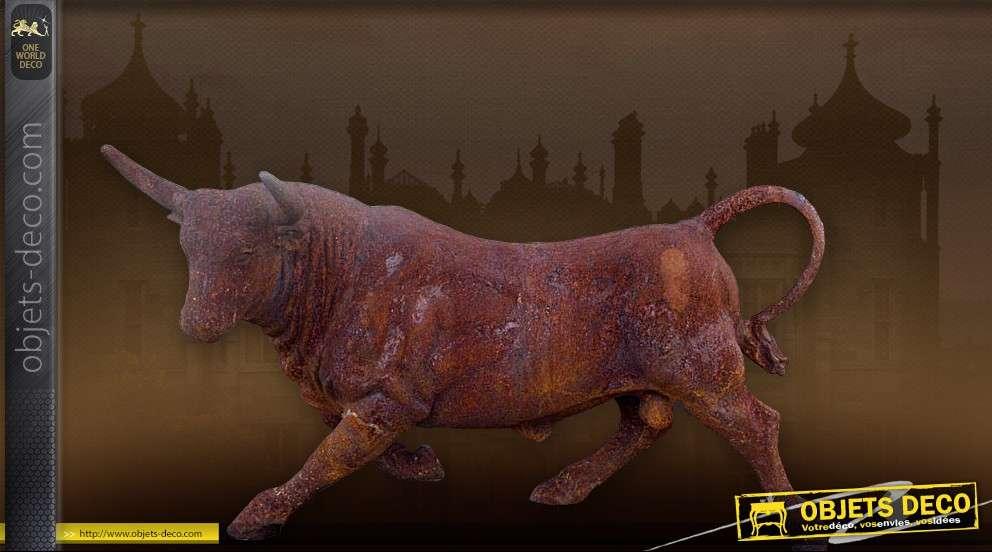 Sculpture animalière : Grand Taureau oxydé