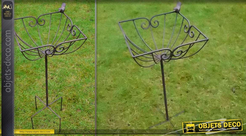 support jardini re sur pied en fer forg. Black Bedroom Furniture Sets. Home Design Ideas