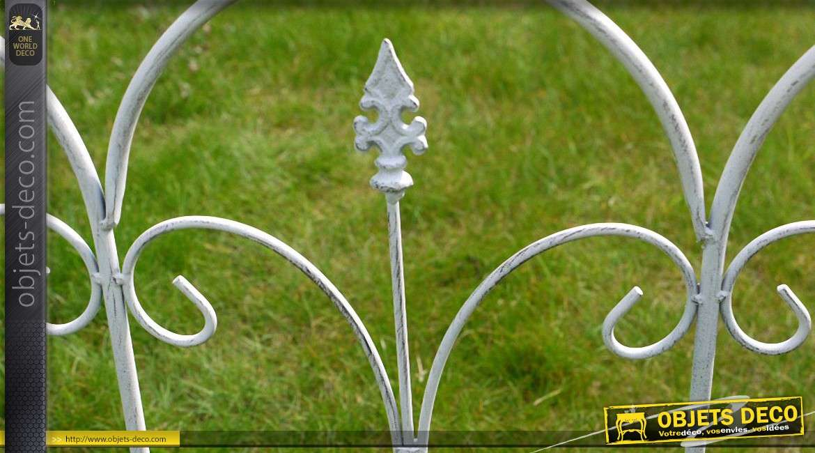 Barri re de jardin en fer forg blanc antique motifs arceaux for Barriere en fer forge