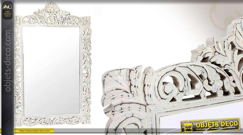 grand miroir en bois de style baroque patin blanc antique. Black Bedroom Furniture Sets. Home Design Ideas