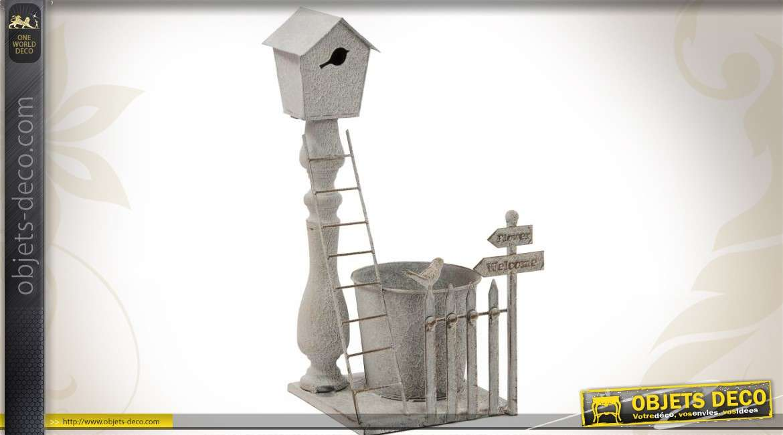 cache pot en m tal style campagne avec nichoir sur balustre. Black Bedroom Furniture Sets. Home Design Ideas