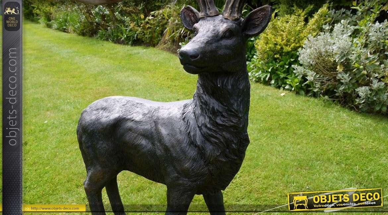 Décoration animalière pour parc ou jardin : le cerf