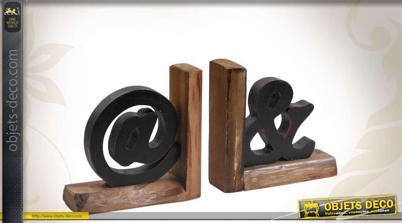 Paire de serre livres en bois sculpté arobase et esperluette