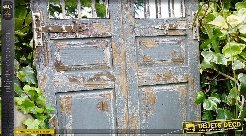 Grande porte miroir de style rustique en bois et fer forg - Porte bois fer forge ...