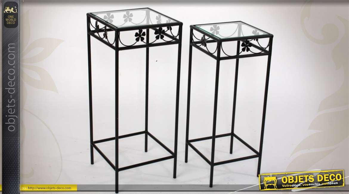s rie de deux sellettes en fer forg m tal et verre. Black Bedroom Furniture Sets. Home Design Ideas