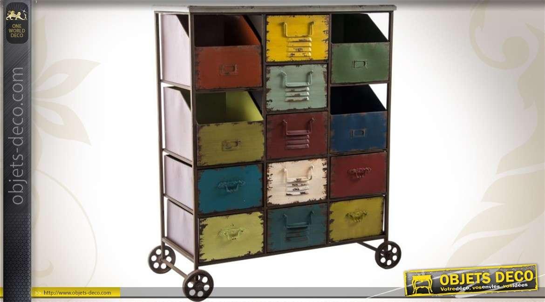 meuble tiroirs et bacs sur roulettes de style industriel. Black Bedroom Furniture Sets. Home Design Ideas