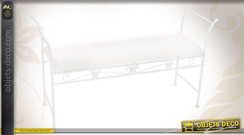 banquette blanche en fer forg avec son coussin. Black Bedroom Furniture Sets. Home Design Ideas