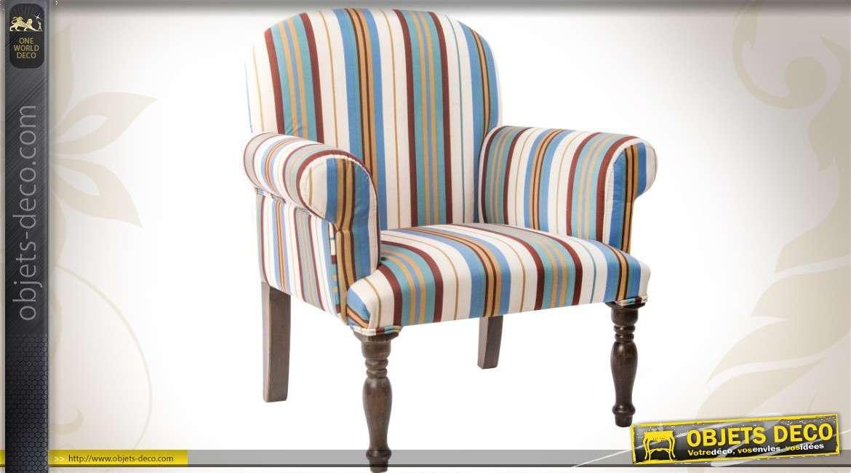 fauteuil style r tro en bois brun antiquaire et tissu bayad res. Black Bedroom Furniture Sets. Home Design Ideas