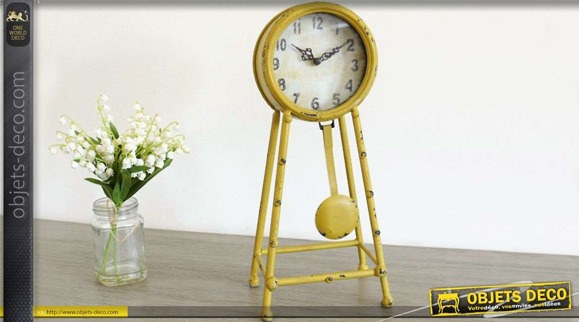 horloge poser de style r tro balancier couleur jaune. Black Bedroom Furniture Sets. Home Design Ideas