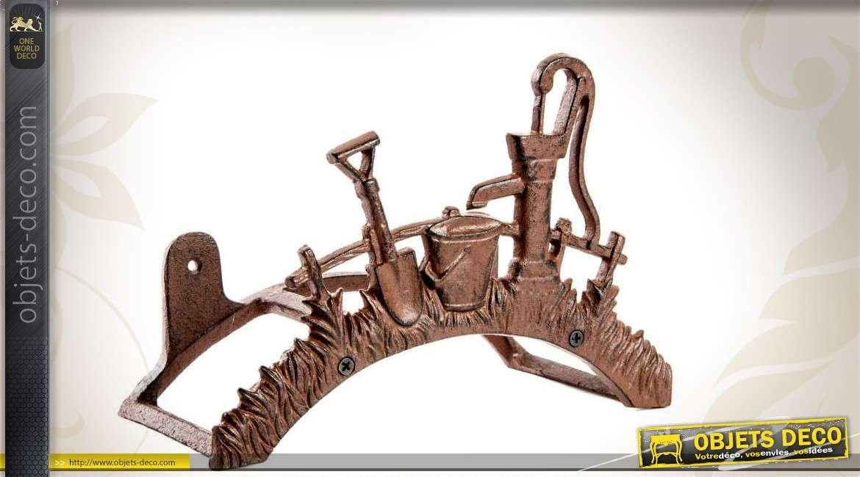 Support en fonte pour tuyau d 39 arrosage motifs outils de jardin for Motif en fer forge