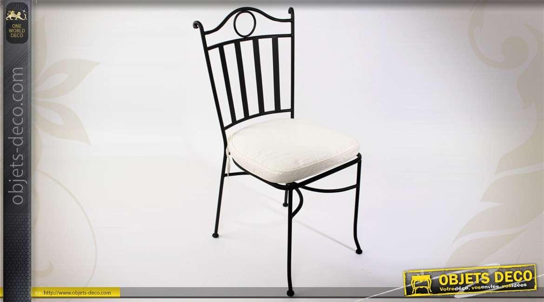 chaise en fer forg finition noir antique avec coussin d 39 assise. Black Bedroom Furniture Sets. Home Design Ideas