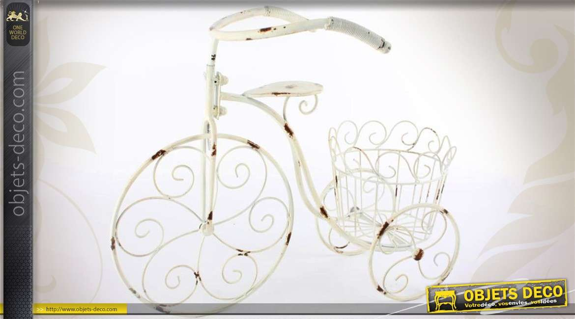 tricycle porte plantes 60 cm blanc antique effets oxydation. Black Bedroom Furniture Sets. Home Design Ideas