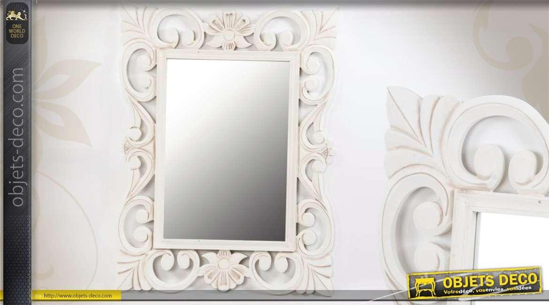 miroir romantique baroque en bois motifs floraux blanc antique