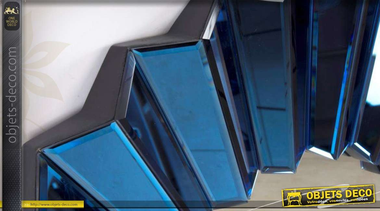 Miroir de style design en bois et verre teinte bleut e 80 cm for Miroir teinte design