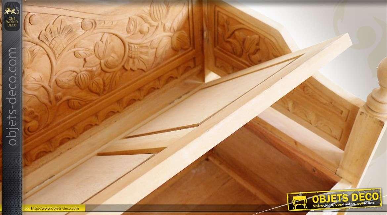 banc coffre en bois massif sculpt la main sans finition. Black Bedroom Furniture Sets. Home Design Ideas