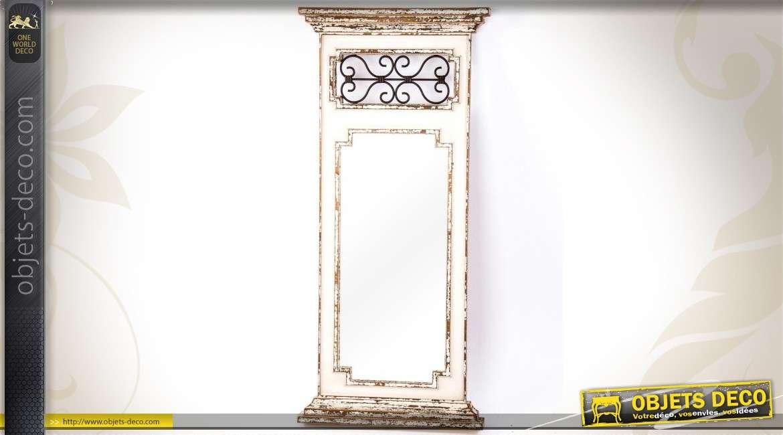 Miroir brocante bois vieilli r tro avec fronton en fer for Miroir en fer forge noir