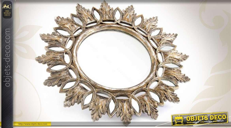 Miroir mural vertical moulur et ornement d 39 ange fini dor for Miroir mural vertical