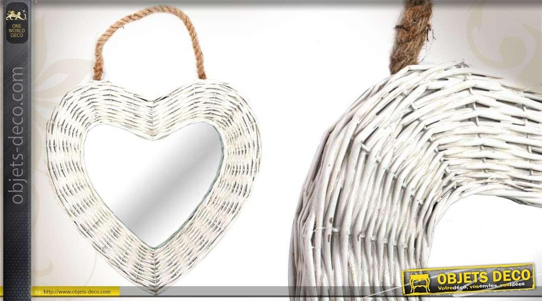 miroir en osier blanchi en forme de coeur suspendre 40 x 40 cm. Black Bedroom Furniture Sets. Home Design Ideas