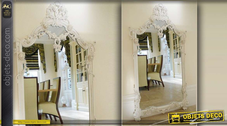 Grand miroir baroque blanc sculpt avec guirlandes de fleurs - Deco avec miroir mural ...