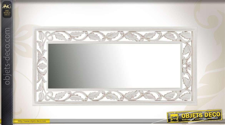 Miroir en bois style ancien blanc motifs feuillag et ajour for Miroir 9 carreaux