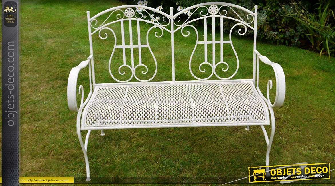 banc de jardin blanc en m tal et fer forg de style romantique. Black Bedroom Furniture Sets. Home Design Ideas