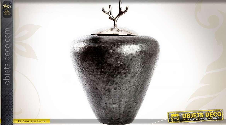 Vase design aluminium gris anthracite et chrome motif corail