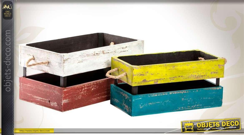 2 grandes et vieilles caisses en bois finition multicolore. Black Bedroom Furniture Sets. Home Design Ideas