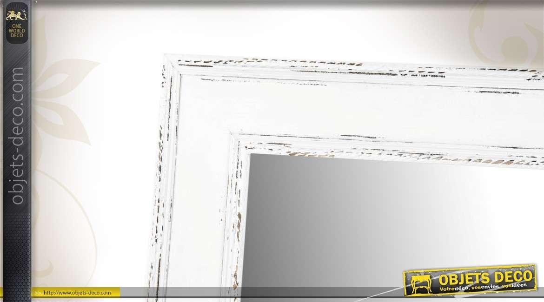 Miroir mural en bois de style ancien blanc vieilli for Miroir blanc vieilli