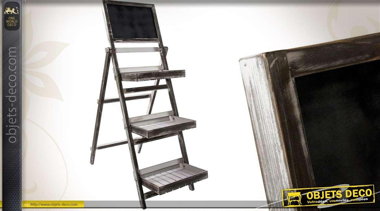 etag re de serre en escalier avec 3 plateaux et tableau noir. Black Bedroom Furniture Sets. Home Design Ideas