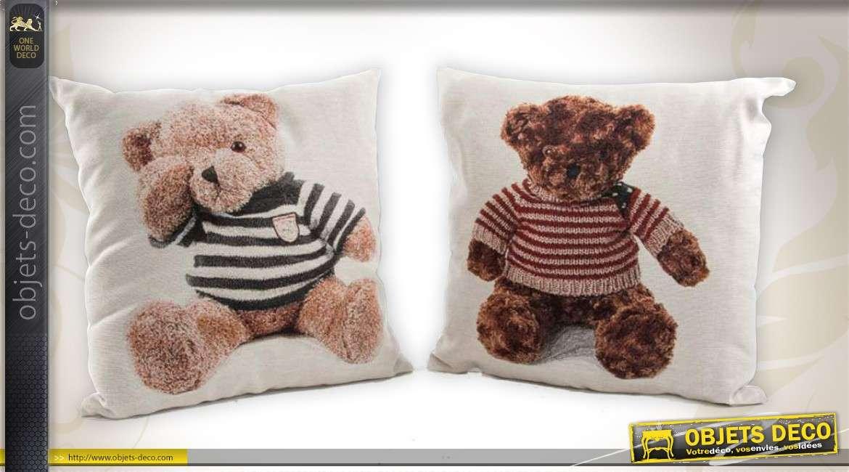 2 coussins d coratifs motifs de nounours en peluche 45 x 45 cm. Black Bedroom Furniture Sets. Home Design Ideas