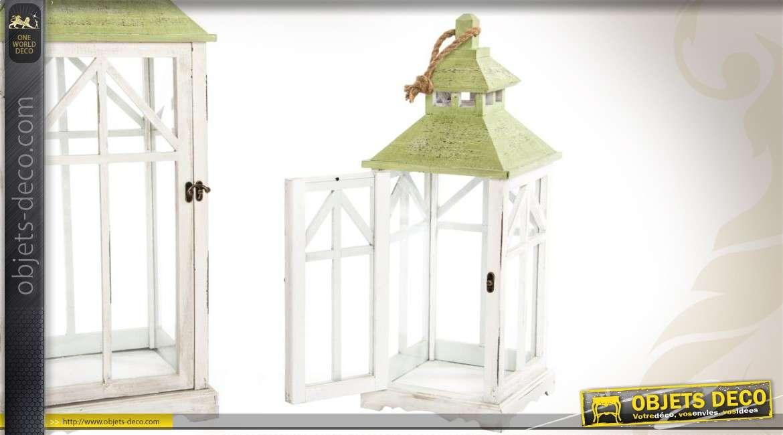 ensemble de 2 lanternes en bois et verre bicolores. Black Bedroom Furniture Sets. Home Design Ideas