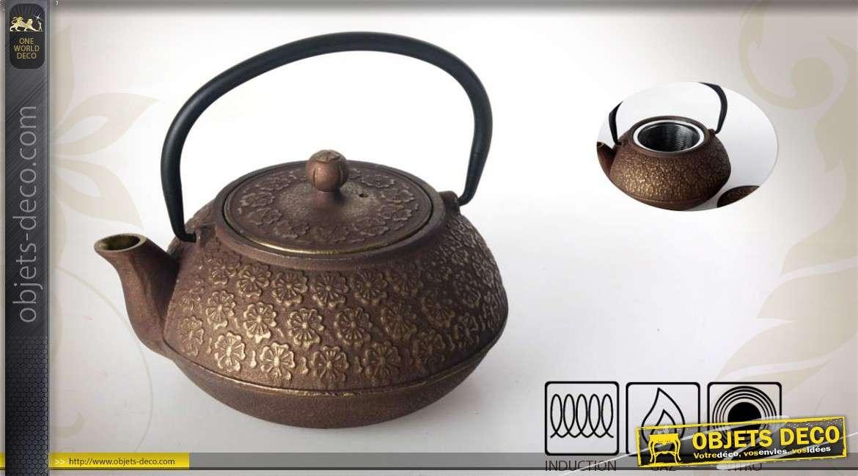 Théière en fonte 0,6 litre style ancien à motifs fleuris et dorés