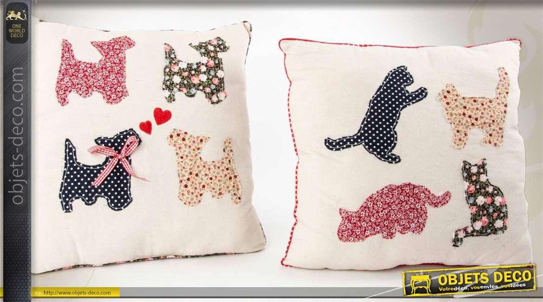2 coussins 45 x 45 avec broderies motifs de chiens et chats. Black Bedroom Furniture Sets. Home Design Ideas