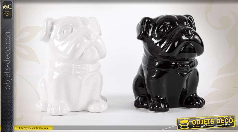 2 statuettes tirelires de chiens en c ramique blanc et noir for Objet deco noir blanc interieur