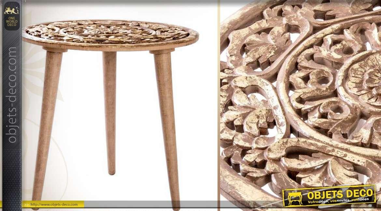 table d 39 appoint ronde en bois dor vieilli finition sculpt e. Black Bedroom Furniture Sets. Home Design Ideas