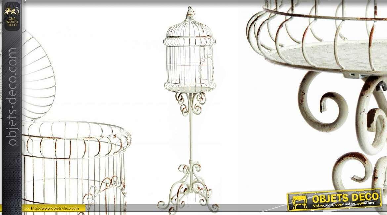 cage oiseaux sur pied de style r tro coloris blanc 122 cm. Black Bedroom Furniture Sets. Home Design Ideas