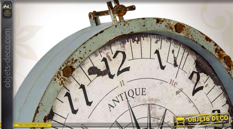 horloge murale m tal vintage avec motif rose des vents 60 cm. Black Bedroom Furniture Sets. Home Design Ideas
