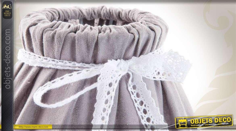 applique murale de style romantique coloris lilas avec abat jour. Black Bedroom Furniture Sets. Home Design Ideas