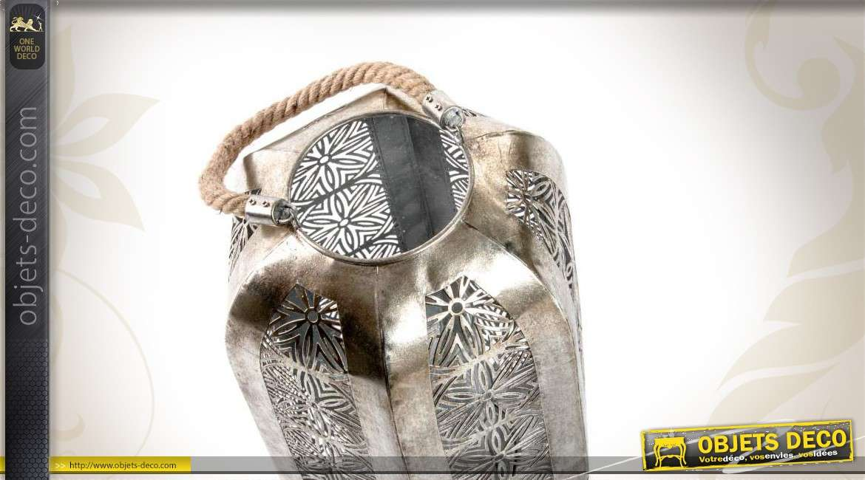 lanterne en m tal de style oriental effet moucharabieh. Black Bedroom Furniture Sets. Home Design Ideas