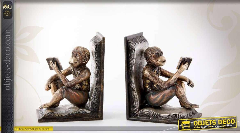 Serre-livres statuettes de chimpanzés faisant la lecture