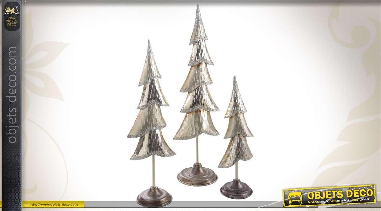 Trio de sapins décoratifs en métal