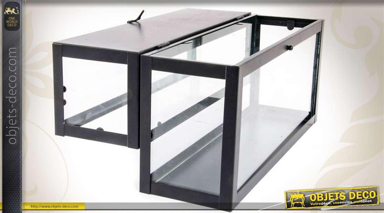 Mini-serre d\'intérieur en métal et verre de forme rectangulaire