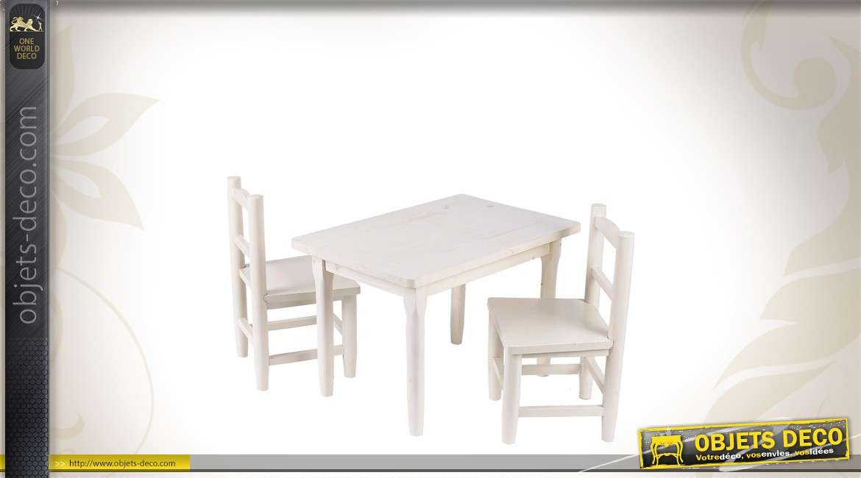Ensemble table et chaises en bois pour enfant for Tables et chaises pour enfants