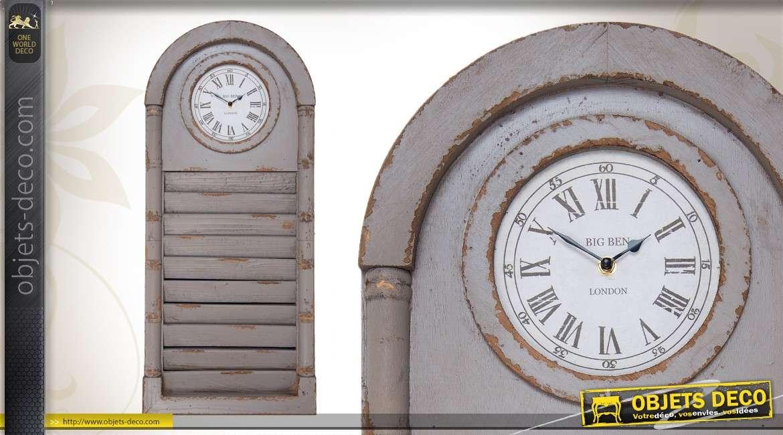Horloge en bois patine vieillie coloris brun clair