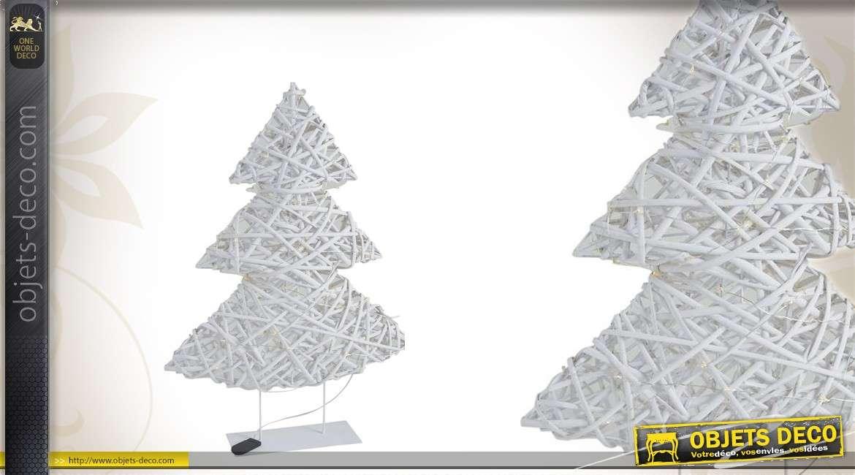 Sapin de Noël lumineux en osier blanc